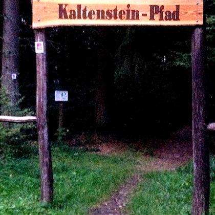 Am Start des nur gut 8 Kilometer langen Kaltensteinpfades