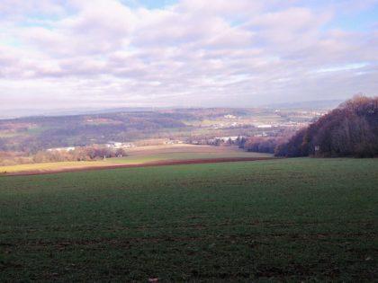 Blick auf das hügelige Umland von Lebach