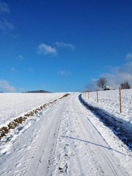 """""""Weiß weiß und weiß liegt der Schnee"""""""