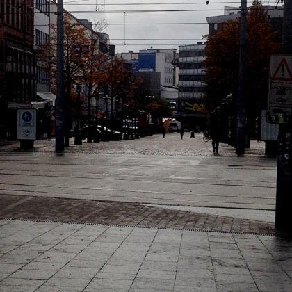 Fußgängerzone vor dem Bahnhof