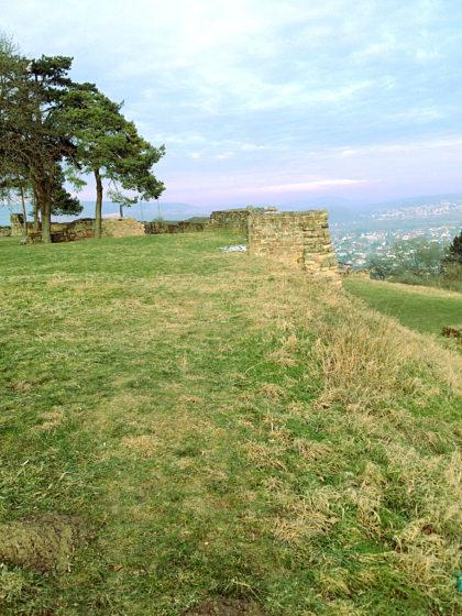 Die Burg entstand wohl im 11. Jahrhundert