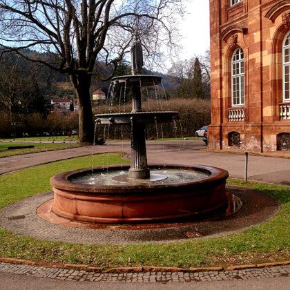 Der Schinkelbrunnen im Abteipark