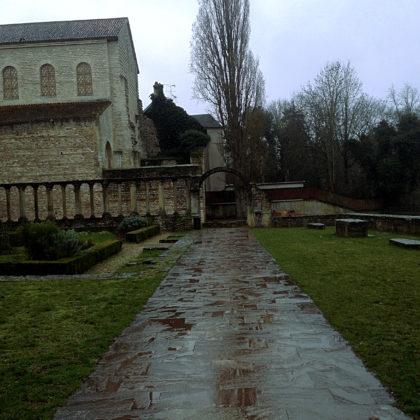 St.-Pierre-aux-nonnains wurde im 4. Jahrhundert errichtet