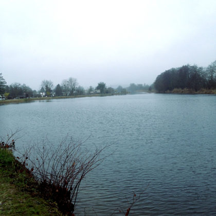 Für einen winzigen Augenblick habe ich den Eindruck, das Wasser würde über die Ufer treten und das Land überschwemmen