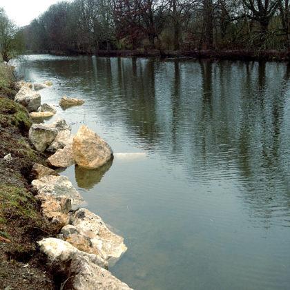 Opus Stein in Wasser