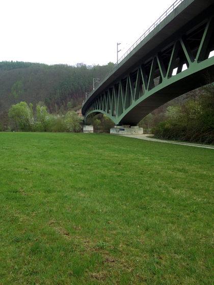 Die Maintalbrücke bei Nantenbach