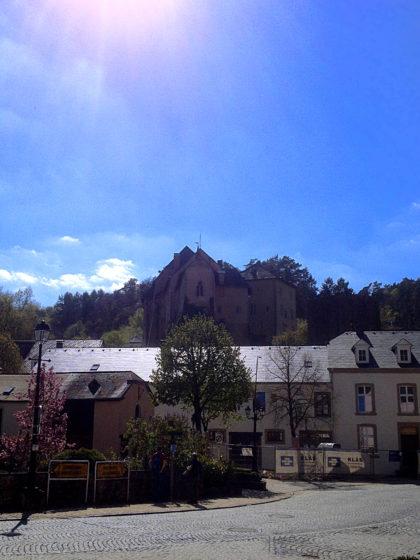 Schon mal ein erster Blick aufs Schloss