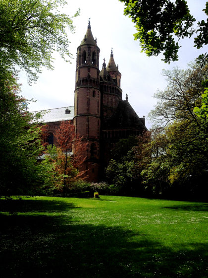 Wormser Dom, vom Heylshof-Park aus