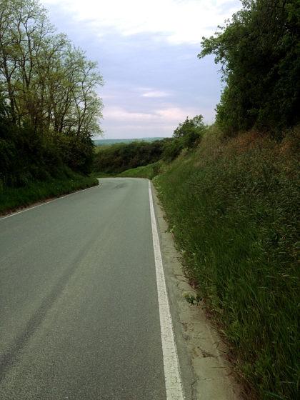Landstraße nach Abenheim; die entgegengesetzte Richtung wäre richtig