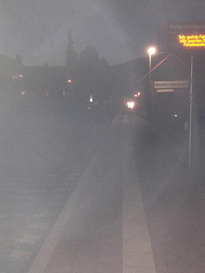 Bahnsteig Niedersteinbach, Warten auf den allerletzten Zug
