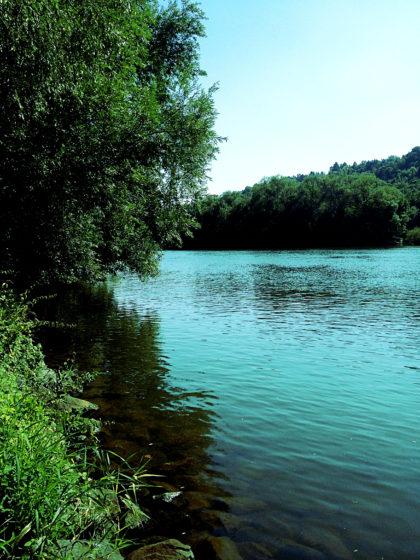 Ab und zu Verharren am Fluss