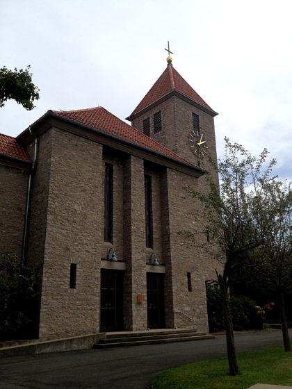 Giebelstadt, Kirche