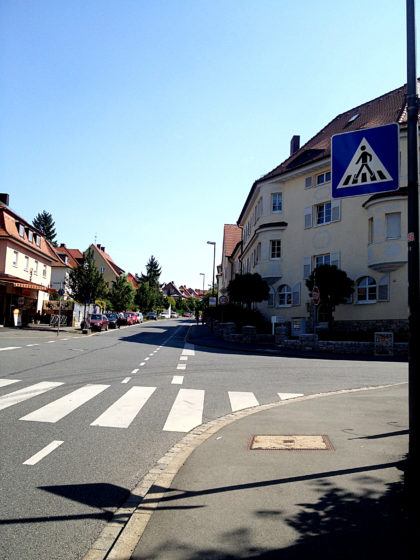 Zeppelinstraße, stetig bergan
