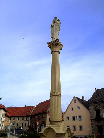 Der Martktplatz in Bütthard, Ende der vierten Etappe