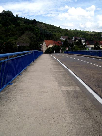 Über diese Brücke hinüber nach Martinstein und dann...