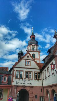 Altes Rathaus und Turm der Ev. Stadtkirche