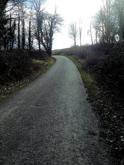 ...einer Bergnase bzw. einem Hügel, auf dem zur Römerzeit ein paar Jahrhunderte lang eine Siedlung existierte