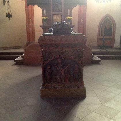 Die um das Jahr 1400 herum gefertigte Grabtumba mit den Gebeinen Wendelins