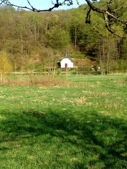 Die Nepomukkapelle Gonnesweiler; auch sie ist auf einem Wanderweg vom Bostalsee aus zu erreichen