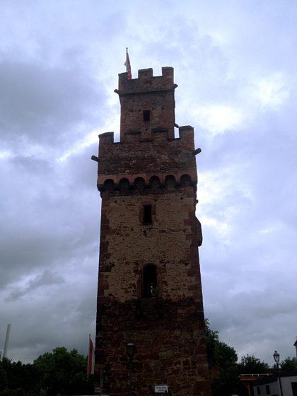 Almosenturm Obernburg, Teil der ehemaligen Stadtbefestigung