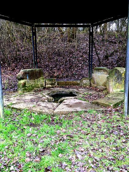 Der Sirona-Brunnen, ein der keltischen Göttin Sirona geweihtes Nymphäum