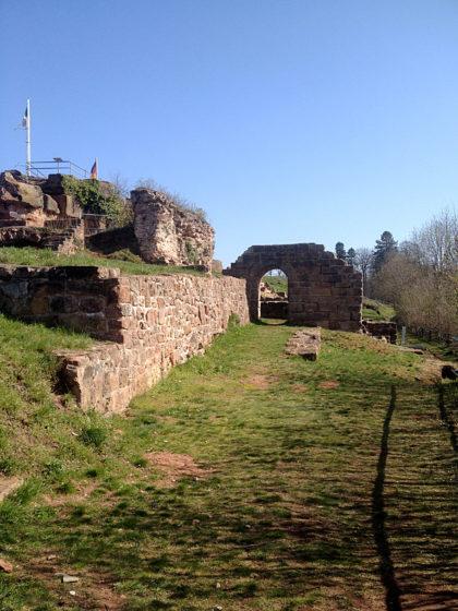 Die Ruine wurde ab 1981 teilweise restauriert