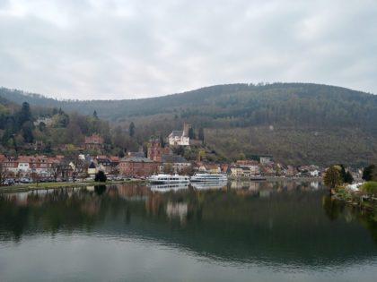 Blick auf St. Jakobus und die Mildenburg