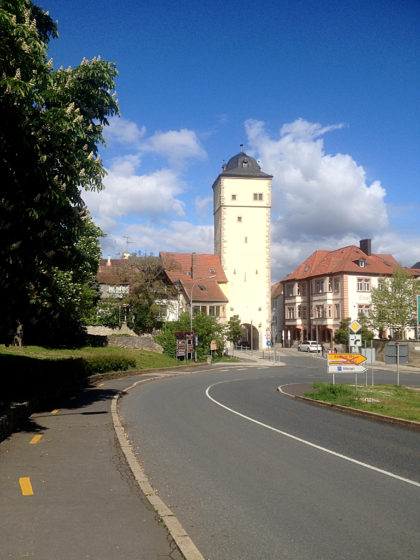 Start in Ochsenfurt - das Obere Tor