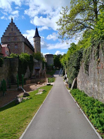 Stadtgraben mit dem Nikolausturm und dem Dicken Turm
