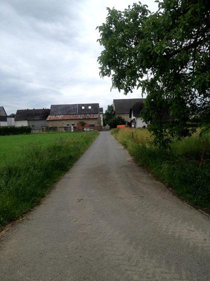 Wir nähern uns dem kleinen Ort Steinsberg