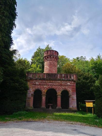 Frontalansicht des Posseltslustturms