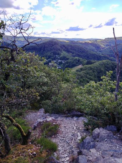 Dieser Klettersteig vom Goethepunkt hinunter ins Tal ist ca. 500 Meter lang