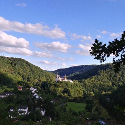 Kurz vor Obernhof - Kloster Arnstein ist jetzt plötzlich ganz nahe