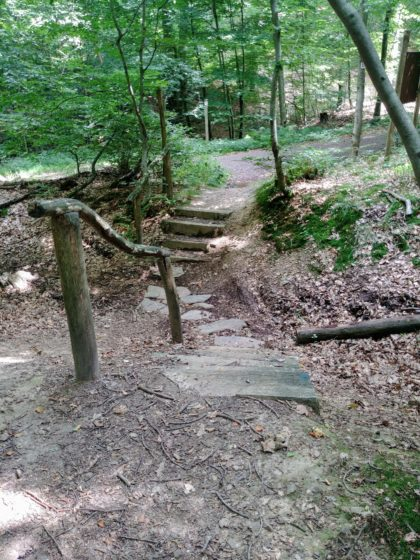 Viele kleine Treppen bergauf und bergab