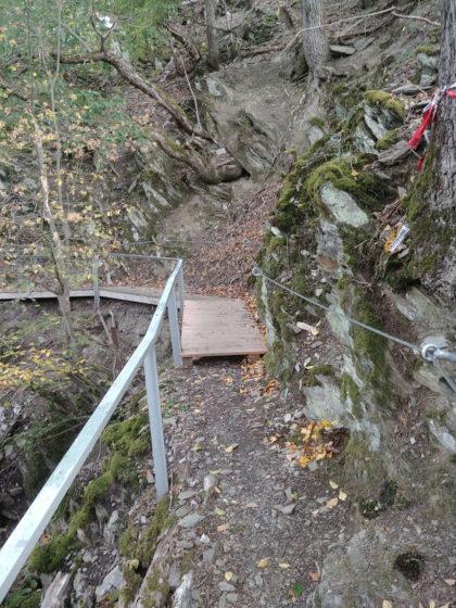 Felswand & Abgrund