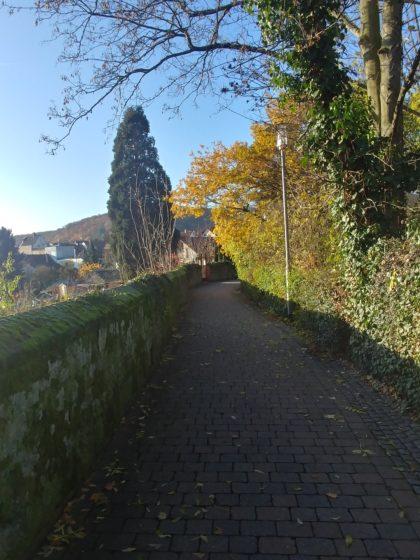 Entlang der Stadtmauer