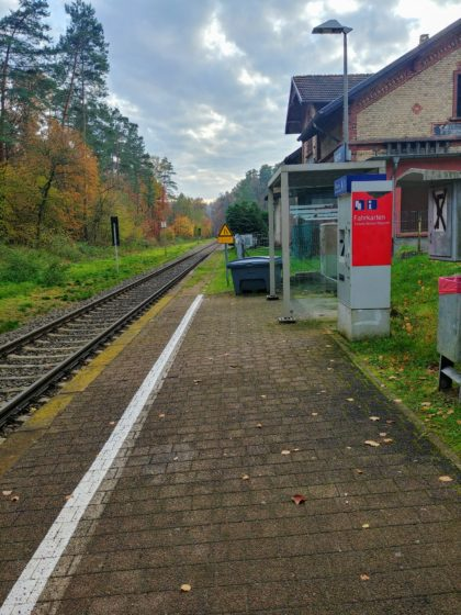 Der winzige Bahnsteig in Hassel, mein Ziel für heute