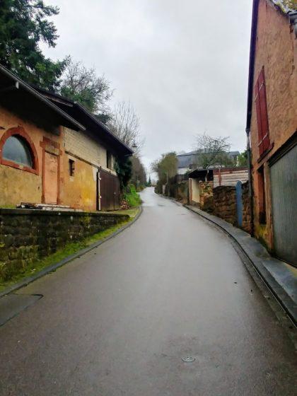 Die Straße Bottelter hinauf zum Panoramapfad