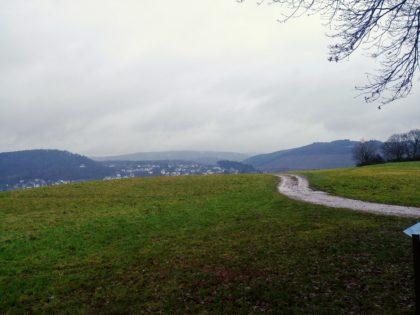 Auf dem Weg zurück vom Kruter Berg nach Saarburg hinab