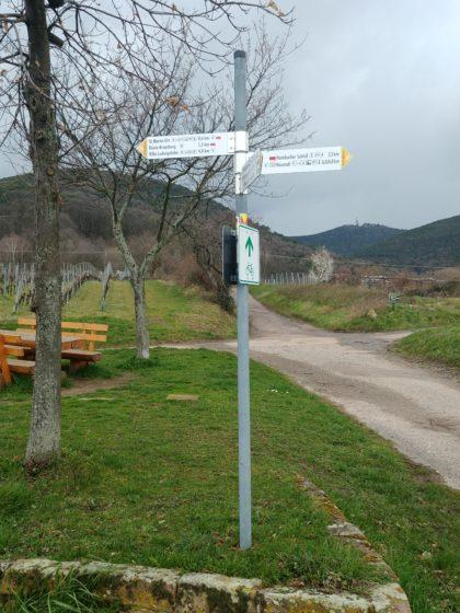 Noch gut zwei Kilometer bis zum Hambacher Schloss, das allerdings nicht ditekt an unserer Route liegt