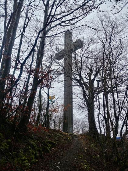 Das ca. 23 Meter hohe Ostlandkreuz auf der Schildwacht