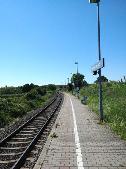 Der Bahnsteig unterhalb von Herxheim, unser Ausgangspunkt