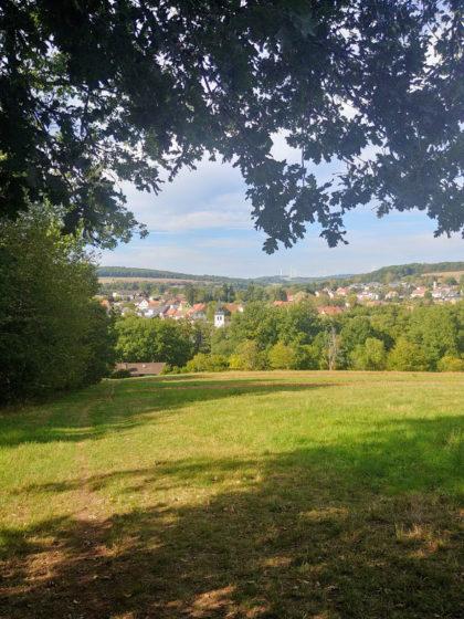 Blick auf das kleine Dorf Fürth