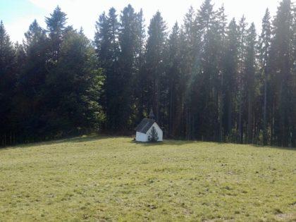 Die sog. Zahnwehkapelle unterhalb der Rappenecker Hütte, seit 200 Jahren ein Wallfahrtsort
