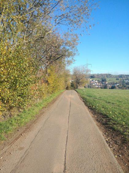 Ich wandere auf Hüttigweiler zu