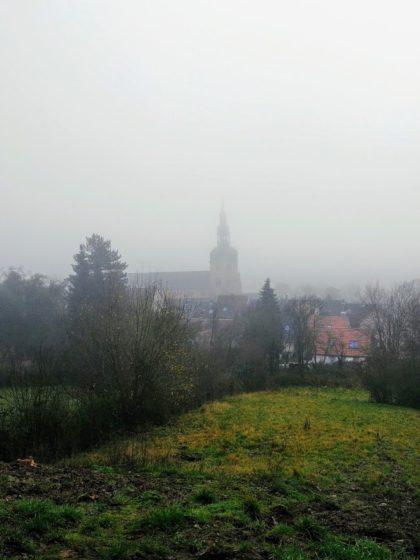 Die Benediktinerabtei im Nebel