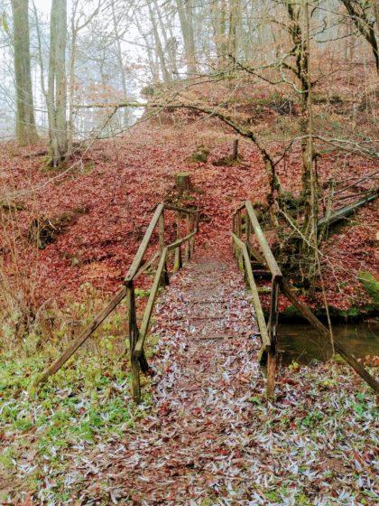 Hinter dieser Brücke stoße ich auf die Schaumberg-Tafeltour