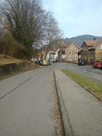 Start in Hirschhorn am Bahnhof