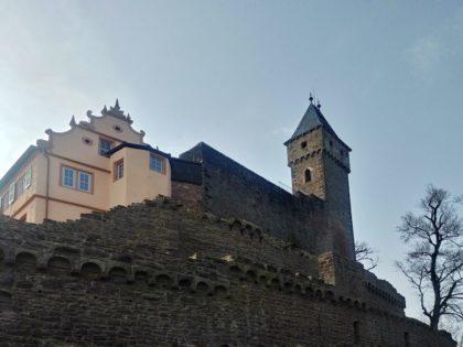 Erbaut im 13. Jahrhundert, zum Schloss umgebaut in der Renaissancezeit