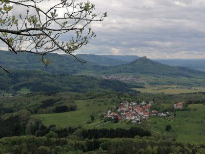 Versteckte Wege zwischen Burg Hohenzollern und dem Dreifürstenstein/Mein Name ist Niemand